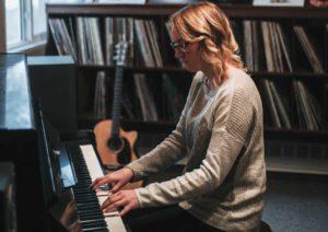 Die 7 schönsten Klavierstücke für Anfänger (mit Noten)